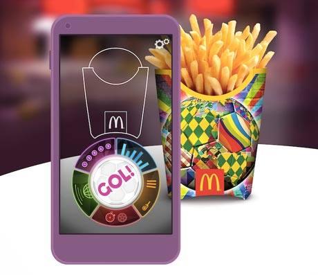 7f61071c08c McDonald's töötas FIFA jalgpalli MM-i puhul välja erilise rikastatud  reaalsuse mängurakenduse GOL!, mis muudab uued friikartulite pakendid 3D ...