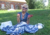 Marika Tuus-Laul puhkehetkel Alatskivil