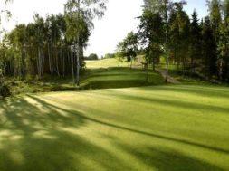 LÕUNA-EESTISSE-Otepää-toob-golfimurule-päris-noored-ja-pisut-vanemad