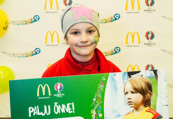 RÕÕMUPÄEV KOGU OLGA PERELE! Eestit esindab jalgpalli EM-i finaalis 9-aastane Olga