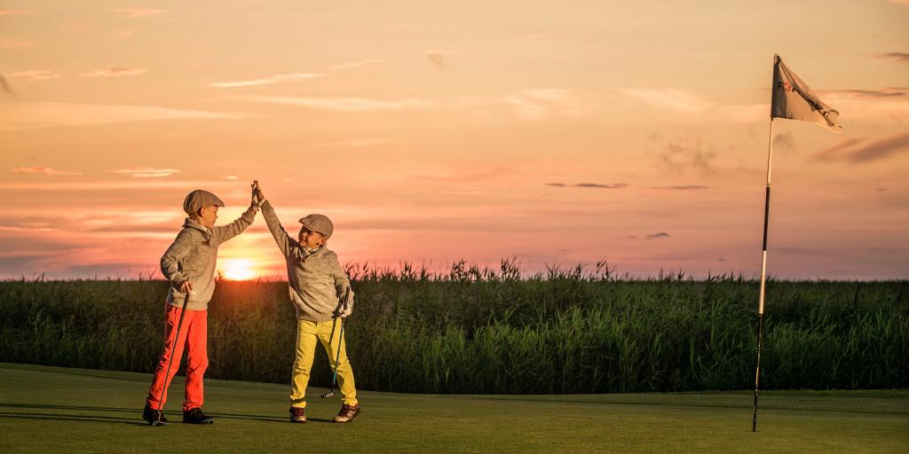 Kas teadsid, et lapsed saavad Eesti golfiklubides tasuta golfi mängida?